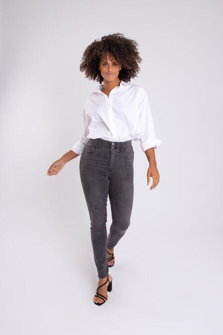 Magic Simplicity Sculpts Jeans