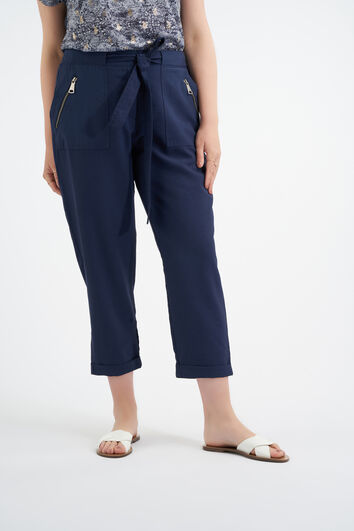 Pantalon met strikceintuur