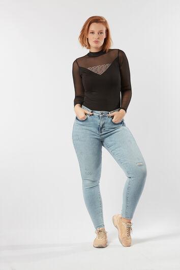 A fit high waist jeans bleach