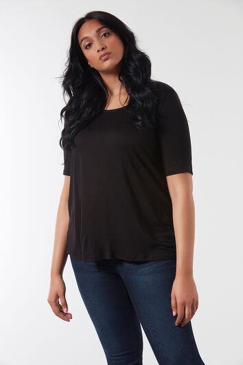 T-shirt à pan arrière plus long